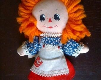 Vintage 1970's Raggedy Ann doll by Hallmark/Knickerbocker.