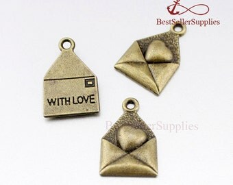 20 PCS Antique Brass Envelope Charm With Heart Love Envelope Pendant Secret Message Love Letter Valentine's Day Fittings Supplies 18*12MM
