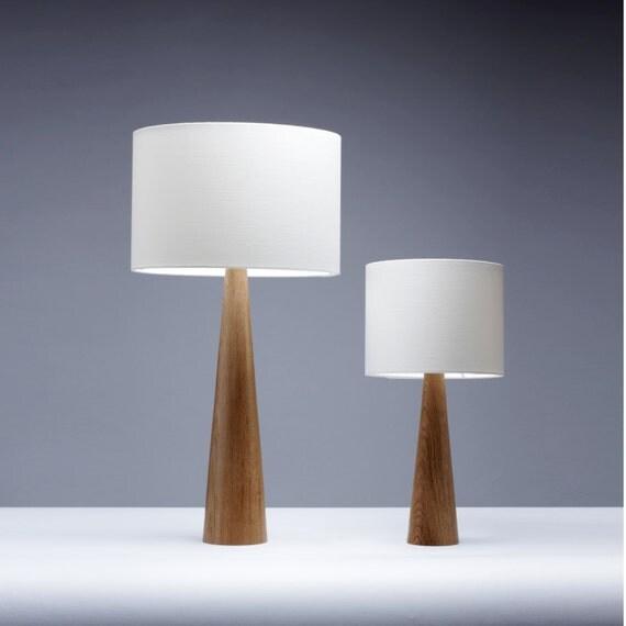 lampe de table de chevet en ch ne bois fait la main 41cm. Black Bedroom Furniture Sets. Home Design Ideas