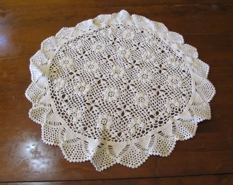 Vintage Hand Made Crotched Round Table Doily 19 Inch