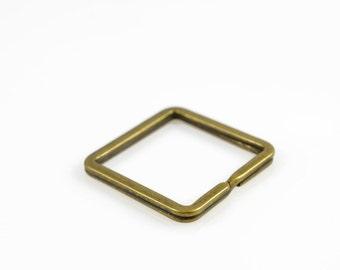 SQUARE KEYRING - Square Metal Keyring (3.3cm x 3.3cm)
