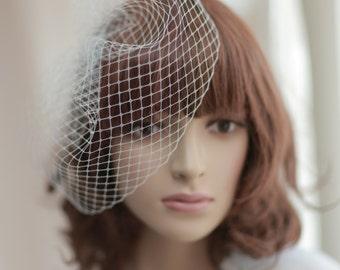 Bridal mini veil ---mini tulle veil----v218