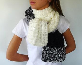 Bufanda blanca y negra hecha a mano. Bufanda de rayas. Bufanda unisex. Bufandas tejidas. Ideas para regalar