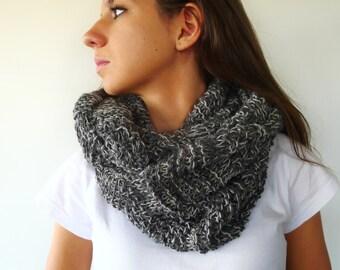 Bufanda redonda hecha a mano. Bufanda gris de punto. Bufandas de lana para mujer. Bufandas tejidas. Ideas para regalar para ella
