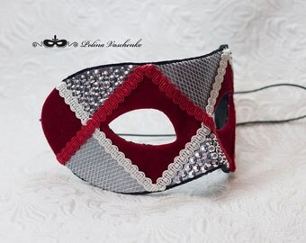 Venice red mask with glass rhinestones