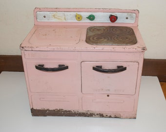 Wolverine Pink Metal Toy Kitchen Stove Oven