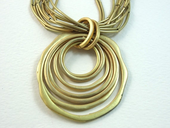 Vintage concentric circle gold color necklace