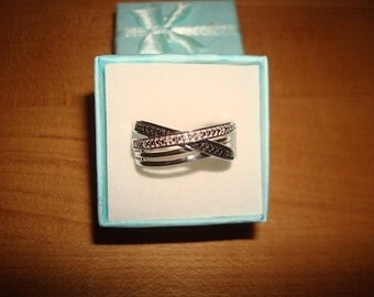 Genuine Black And White Diamond 925 Sterling Silver Cross Over Ring Size 7.25