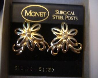 Vintage, Monet, Gold Tone, Flower Design Earrings.