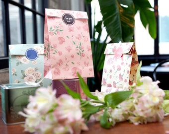 Floral paper gift bags, Stand Up Paper Bags,Vintage Floral, set of 3, ready to ship