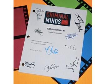 "Criminal Minds ""Broken Mirror"" Episode TV Script Autographed: Thomas Gibson, Mandy Patinkin, Matthew Gray Gubler, Shemar Moore & More"