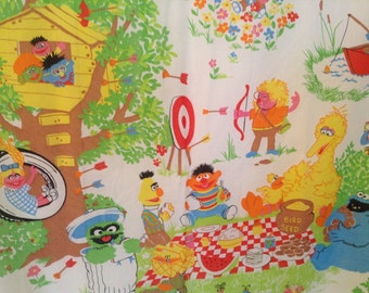 Sesame Street Picnic Treehouse Twin Fitted Sheet- Big Bird, Grover, Cookie Monster, very nice