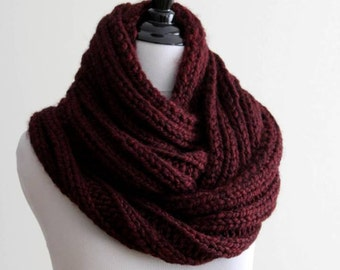 Chunky knit scarf, chunky knit scarf in claret burgundy red, knitted circle scarf, knit eternity scarf, hand knit scarves
