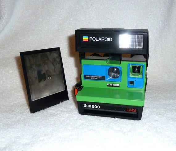 polaroid sun 600 lms cleaned tested and upcycled green and. Black Bedroom Furniture Sets. Home Design Ideas