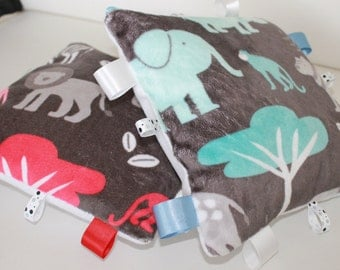 Baby taggy pillow, sensory pillow, baby comforter, taggies, baby soft pillow jungle print, pillow soft toy