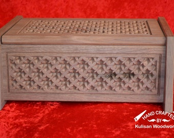 Carved wooden keepsake box - maple leaf version