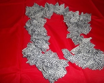 Black and white patterned scarf for teens or women