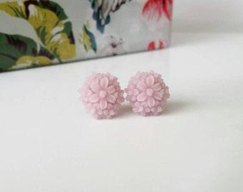 Purple stud earrings, purple flower earrings, purple studs, resin flower earrings, flower stud earrings, purple flower studs, hypoallergenic