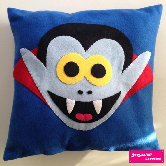 Cushion Dracula