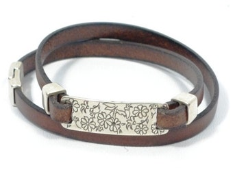 engraved leather bracelet, personalized leather bracelet, flower engraved bracelet, brown leather, double wrap bracelet, gift for mom