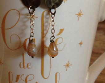 Brass earrings and caramel agate