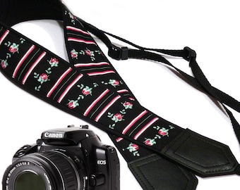 Flowers Camera strap.  Roses camera strap with stripes.  DSLR / SLR Camera Strap. Photo accessory by InTePro