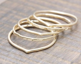 5 pcs14 k gold filled stacking rings : 2 hammered & 3 chevron band rings