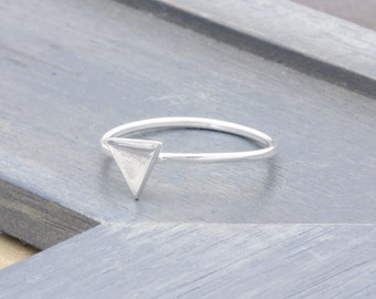 sterling silver simple skinny triangle rings (R_00015)