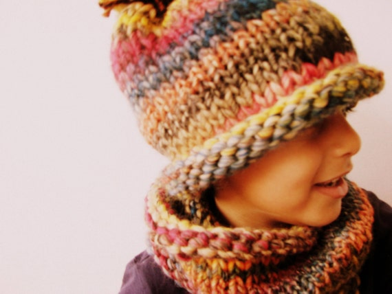 Chunky Knitted Kids' Cowl and Beanie Hat Set