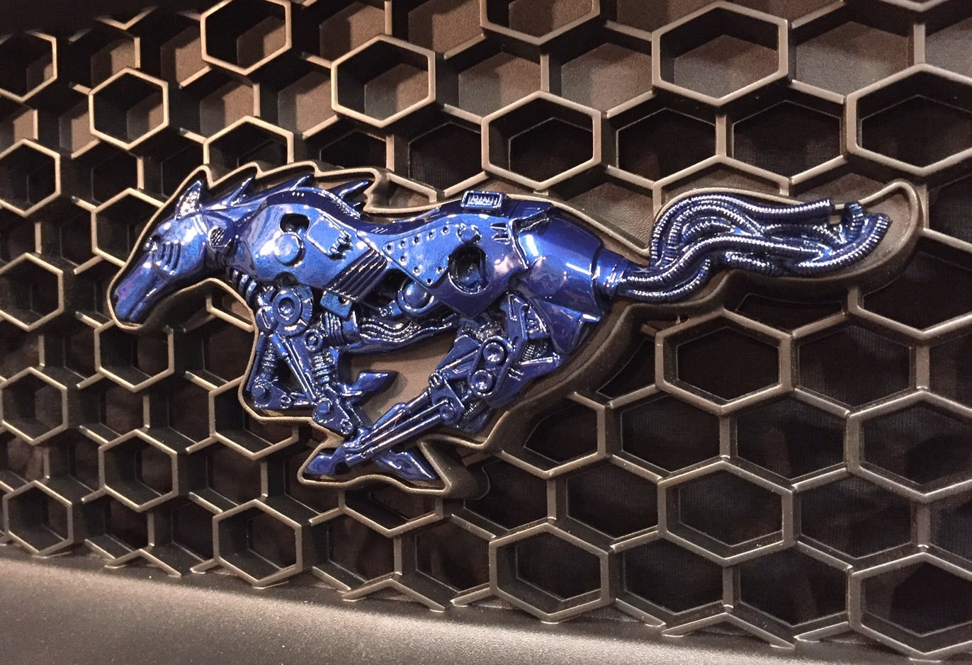 ford mustang 2015 2017 custom grill emblem. Black Bedroom Furniture Sets. Home Design Ideas