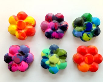 12 flower shaped crayons garden party favor scouts fairy birthday favor party. beautiful ideas. Home Design Ideas