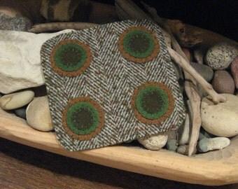 Seasonal Green Penny Rug, FAAP, OFG, HAFair