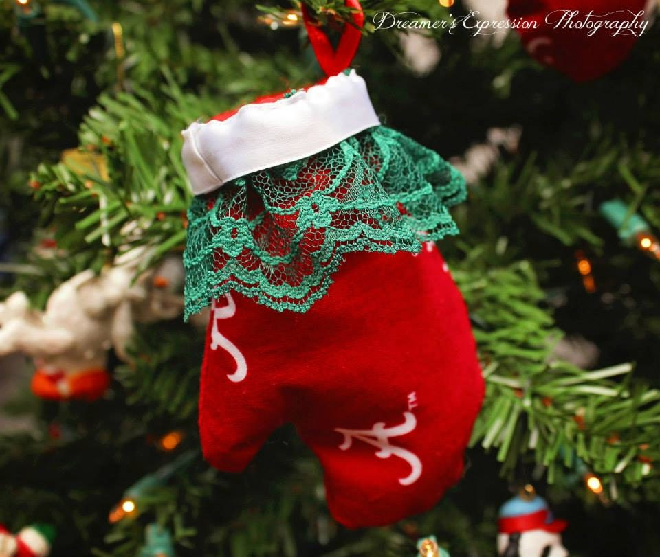 Alabama Christmas Ornament with Green Lace; Alabama Mitten Ornament; Role Tide Christmas Ornament