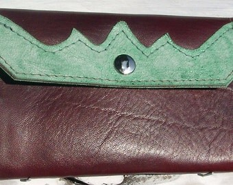 Leather wallet in brown / green
