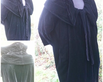 Vintage 1950s Black Rayon Velvet Cloak Coat Jacket Eveningwear Victorian Collar Cape Opera Couture