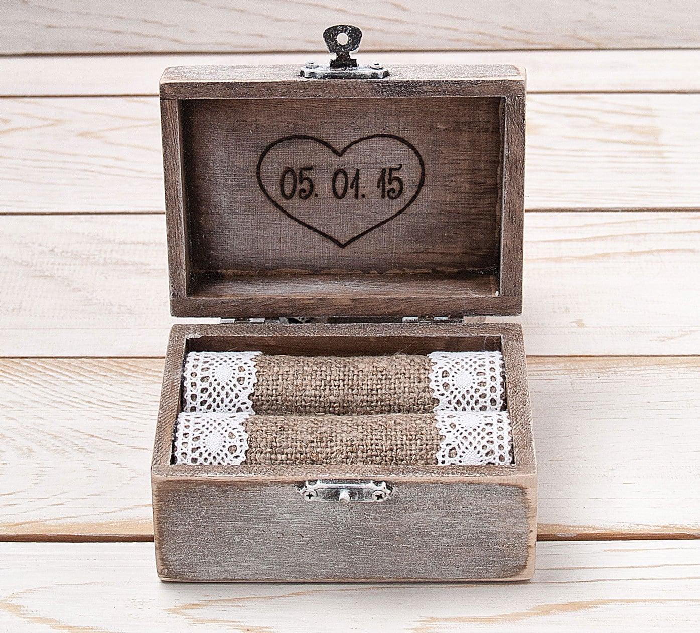 ring bearer box wedding ring box ring holder wooden. Black Bedroom Furniture Sets. Home Design Ideas