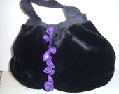 Tasche, schwarz lila Webpelztasche, Ballontasche, Boho, Frauen, Bohemian, Geschenkidee