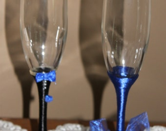 Birde and Groom (Mr. & Mrs. handcrafted wedding Champange Flutes