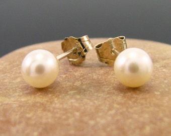 Pearl earrings, pearl earings, pearl earring, white pearl earrings, pearl studs 6 - 6.5 mm