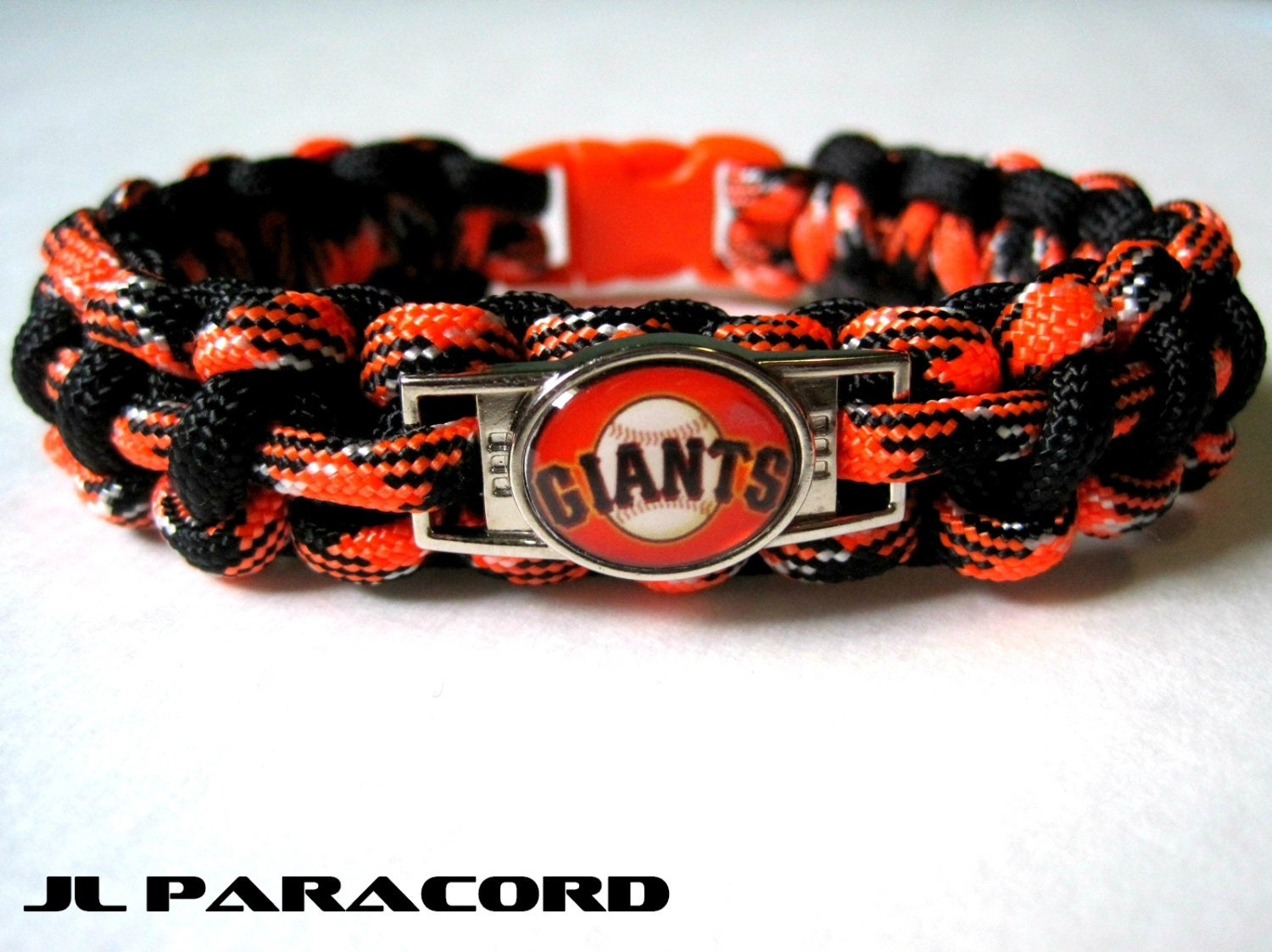 sf giants paracord charm bracelet