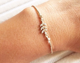 Crystal Lined Leaf Bracelet