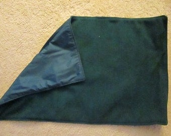 Kennel blanket,forest green fleece,forest green nylon,crate size 200,adaptable for warm or cool weather,created in Duluth,Minnesota