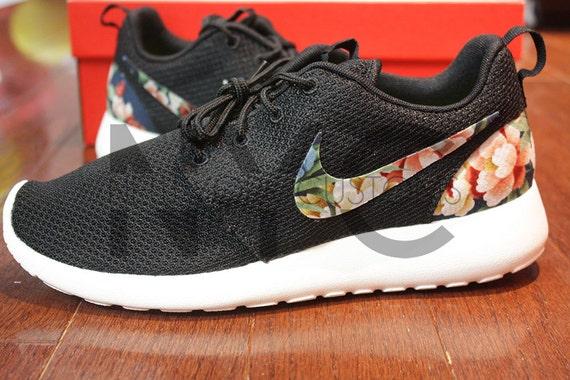 Gorgeous Nike Roshe Run Print Speckle Black Sail White
