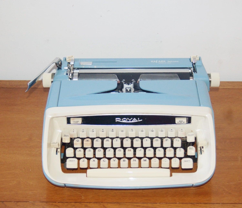 1966 Royal Safari Deluxe Typewriter / Serviced / New Ribbon
