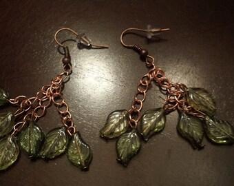 Golden green leaf set