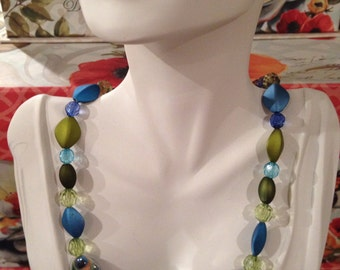 Eye of the Storm Bead Necklace ***