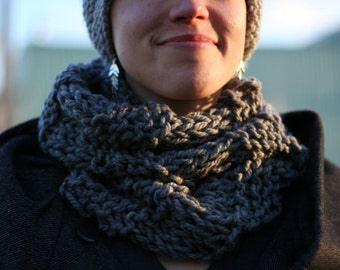 MADE TO ORDER - Winter Hand Knit Cowl, Chunky Knit Cowl, Many Colours Available