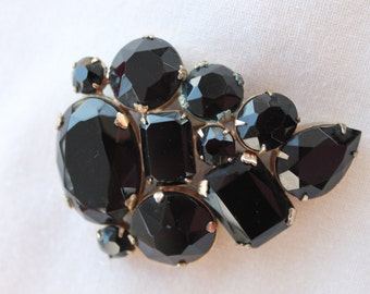 Grape Cluster Brooch