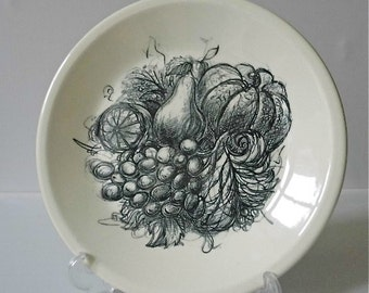 Wedgewood plate made in 1963 to commemorate the 'Freedom from Hunger' Campaign