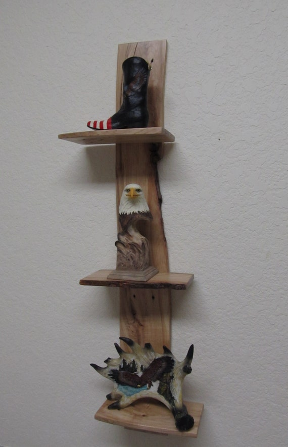 Recycled pallet floating wood shelves very cool rustic look for Pallet floating shelves
